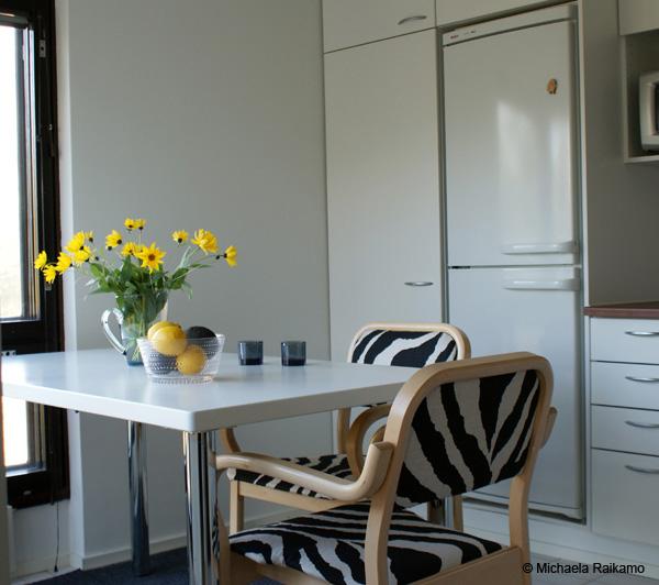 keittiön tuolien verhoilu