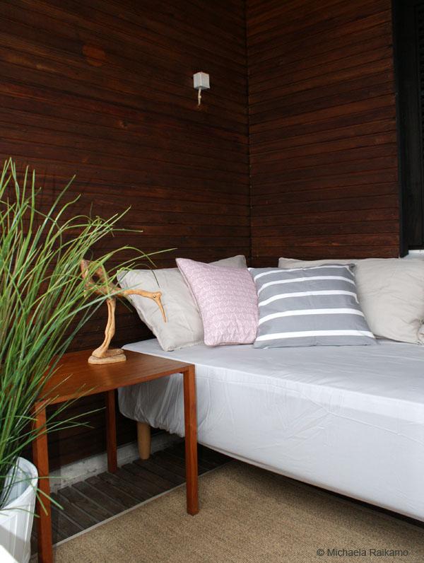 parvekkeen sisustaminen vanhoilla huonekaluilla