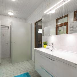 kylpyhuoneen kalusteiden uusiminen